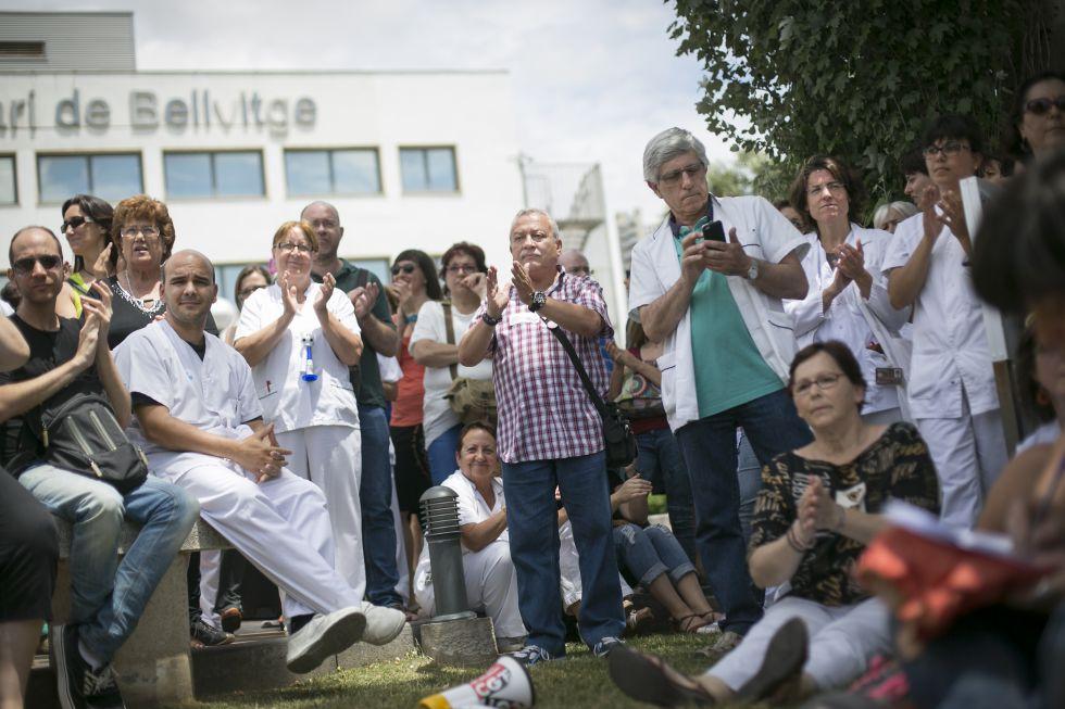 Derecho a sanidad gratuita y realidad capitalista. - Página 4 1403698460_067837_1403709143_noticia_grande