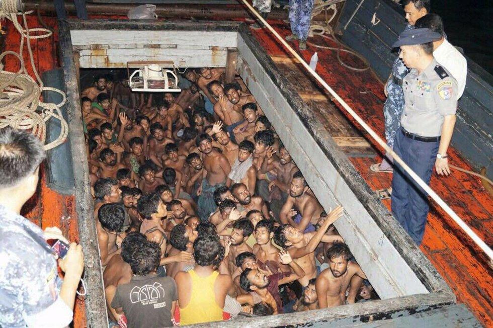 Proletariado  migrante y migrantes  de otras clases sociales muertos en los mares. - Página 2 1432309220_536129_1432309998_album_normal