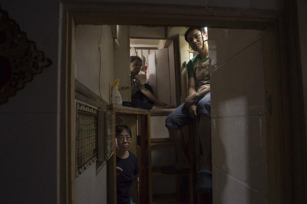Hong Kong: Viviendo en jaulas... más de 100.000 personas. 1494401460_495526_1494401589_album_normal