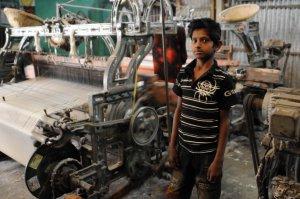 Bangladesh: Centenares de proletarias y proletarios mueren en fábricas textiles  - Página 2 1367516763_553235_1367517528_sumario_grande