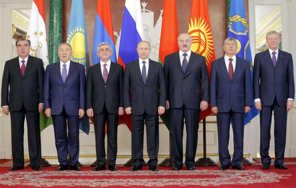 Unión - Unión Euroasiática - Moscú sella con Bielorrusia y Kazajstán la Unión Económica Euroasiática 1419366677_433358_1419367507_noticia_grande
