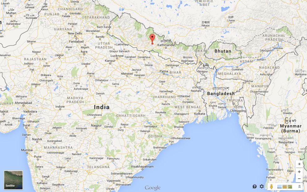 Un terremoto de magnitud 7,9 causa más de 8000 muertos en Nepal 1429950325_883537_1429959031_sumario_grande