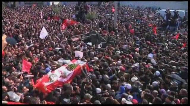 Túnez. Democracia e islamismo a golpe de talonario - Página 2 1360321075_452087_89896600_fotograma_9