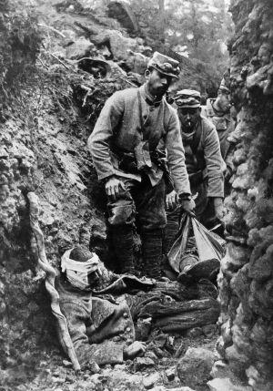 Primera Guerra Mundial del capitalismo. Algunos actos mi$erables y lavados posteriores. [HistoriaC] 1400010359_661718_1400010502_noticia_normal
