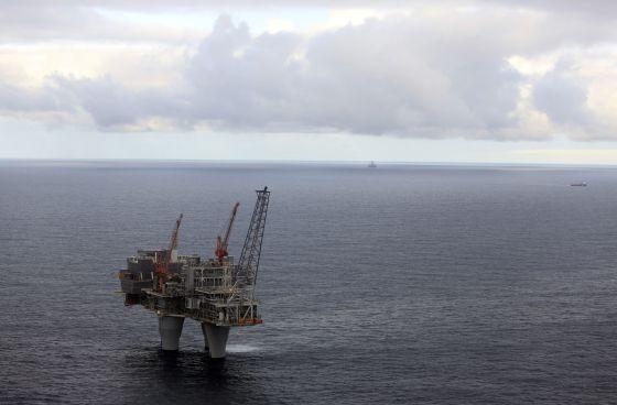 Energía. Producción, distribución. Cénit del petróleo, peak oil, fuentes, contradicciones, consecuencias. - Página 7 1408904615_929309_1408904732_noticia_normal