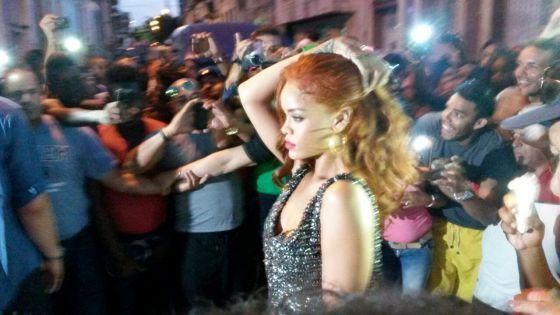 Fotos de Rihanna (apariciones, conciertos, portadas...) [16] - Página 20 1432912833_368680_1432913652_noticia_normal