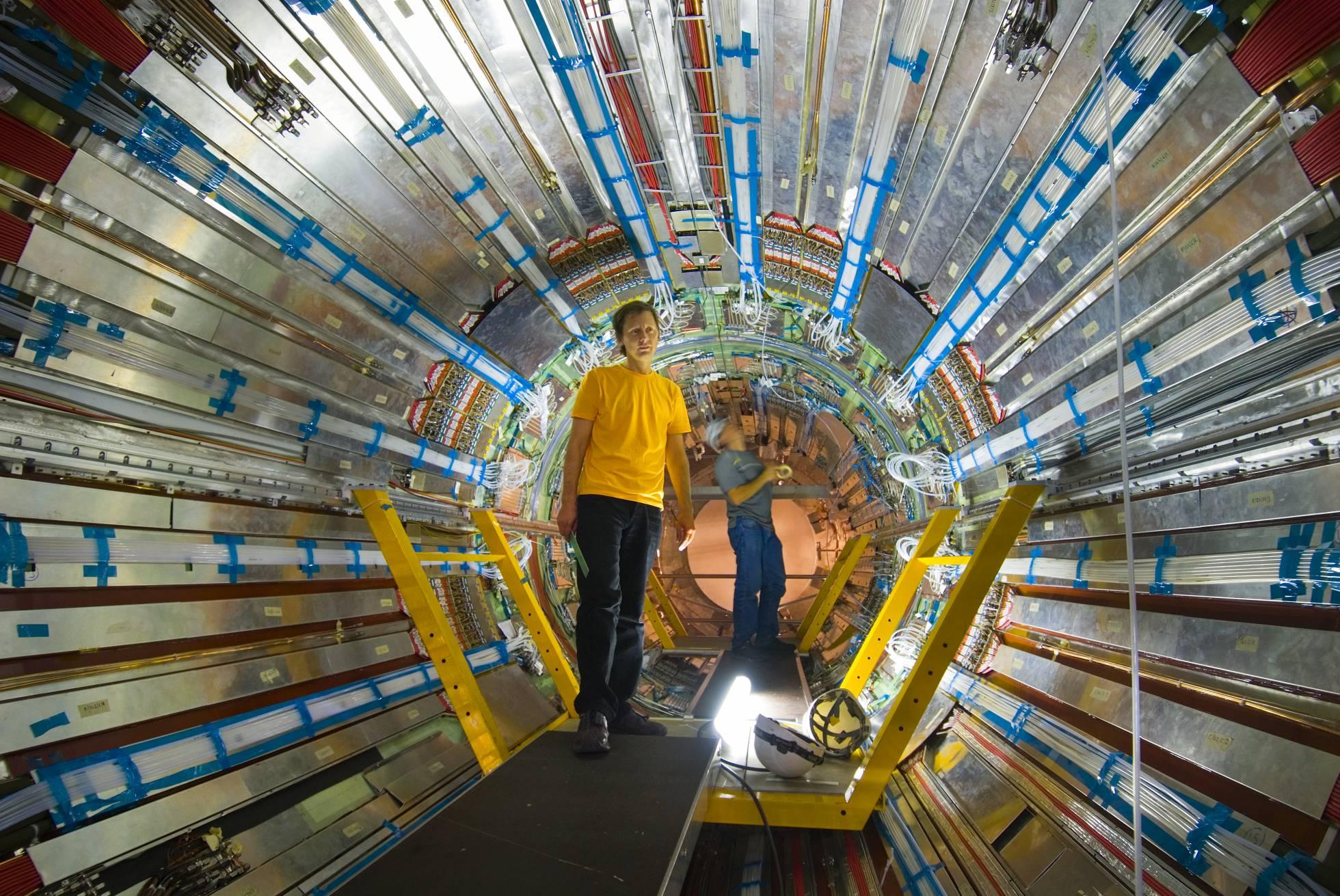 CERN .... - Página 6 1470399688_268783_1470400688_noticia_normal_recorte1