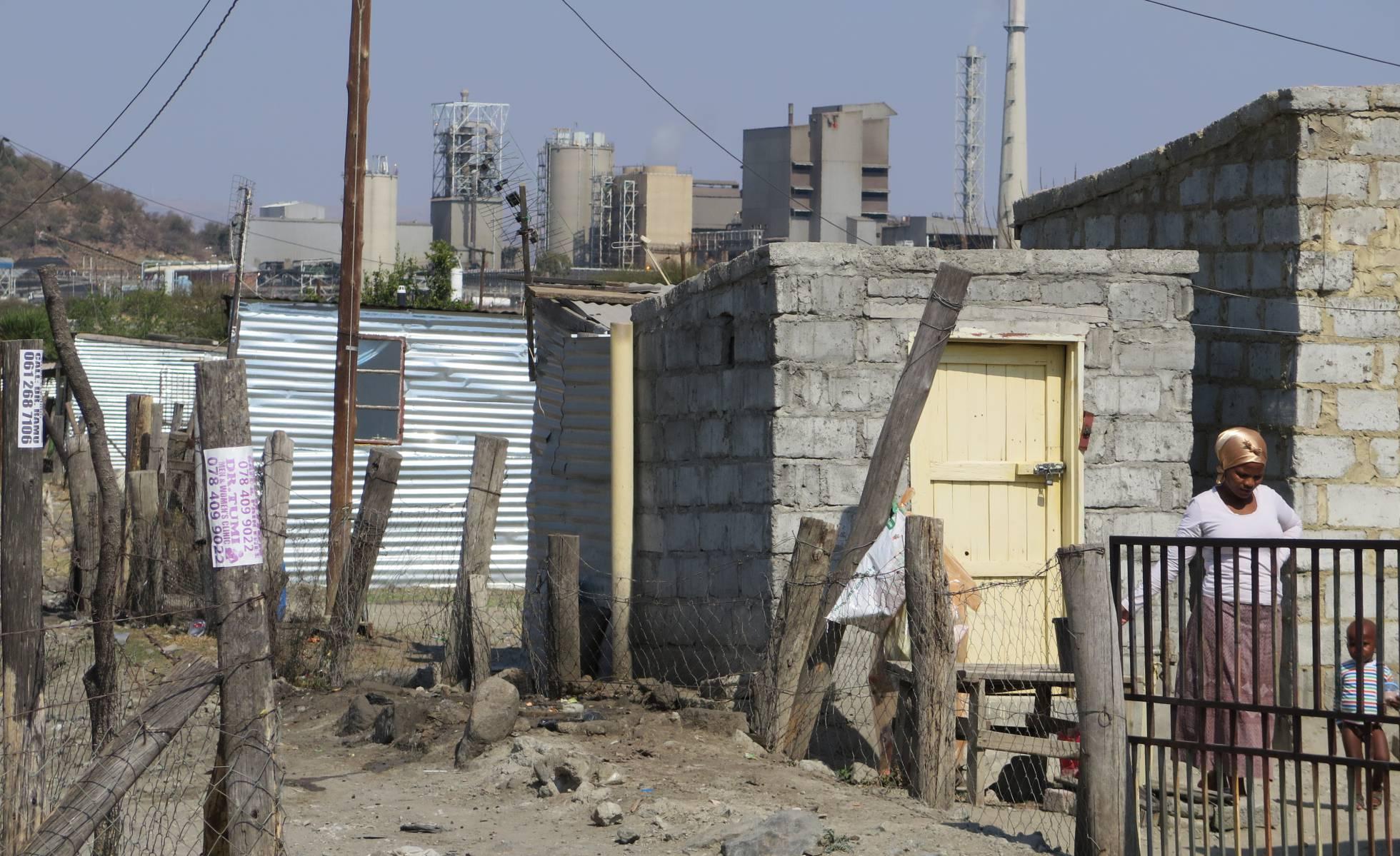 Sudáfrica. Muertes en minas, conflictos mineros... - Página 4 1472133270_502360_1472136763_sumario_normal_recorte1