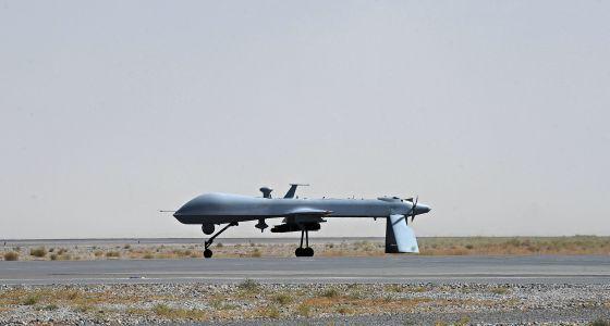 Drones: Mediante aviones teledirigidos, EEUU mata centenares de personas en Pakistán. 1338579313_738829_1338685672_noticia_normal