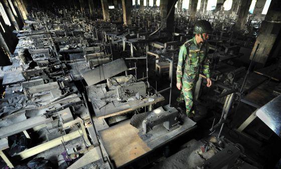 Bangladesh - Bangladesh: Centenares de proletarias y proletarios mueren en fábricas textiles  1354904535_435347_1354904993_noticia_normal