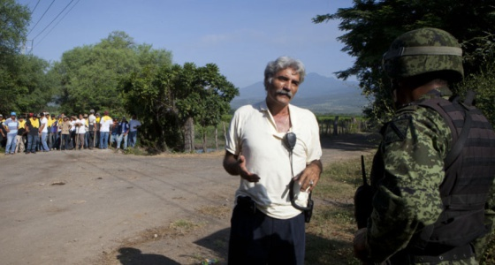 México, guardias comunitarias, narcotráfico, ejército... 1384696690_237488_1384701653_noticia_normal