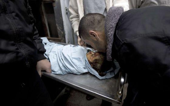 Palestina: Violencia ejercida por Israel en la ocupación. Respuestas y acciones militares palestinas. - Página 5 1387895285_784604_1387958383_noticia_normal