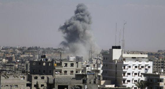 10.000 palestinos huyen ante la amenaza de Israel - Página 2 1407081000_007068_1407081270_noticia_normal