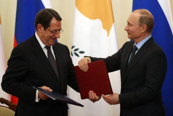 Presidente de Chipre ofrece a Rusia instalar bases militares en su país.  1424978386_253828_1424979014_noticia_normal