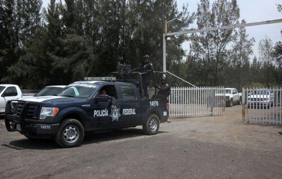 Enfrentamiento entre la Policia Federal y Cartel de Jalisco NG en Tanhuato Michoacán, deja 43 muertos. 1432321892_368651_1432325851_noticia_normal