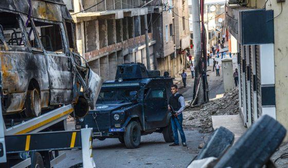Turquía: Miles de personas denuncian la responsabilidad del Gobierno en el ataque en Ankara. Más de cien personas asesinadas en atentado con explosivos contra una marcha. 1444758979_851802_1444760650_noticia_normal