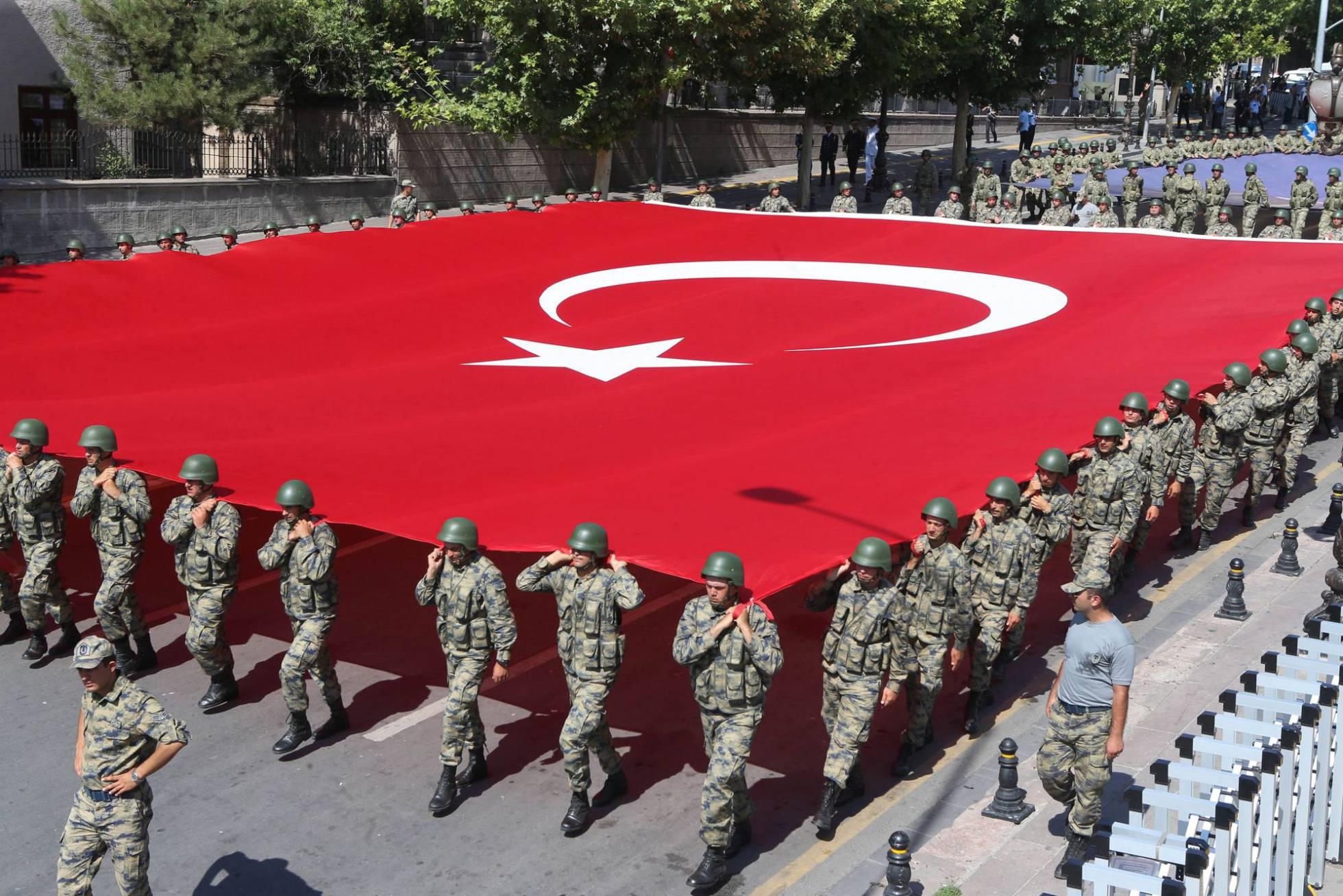 Golpe de estado en Turquia - Página 6 1472575760_091519_1472576098_noticia_normal_recorte1
