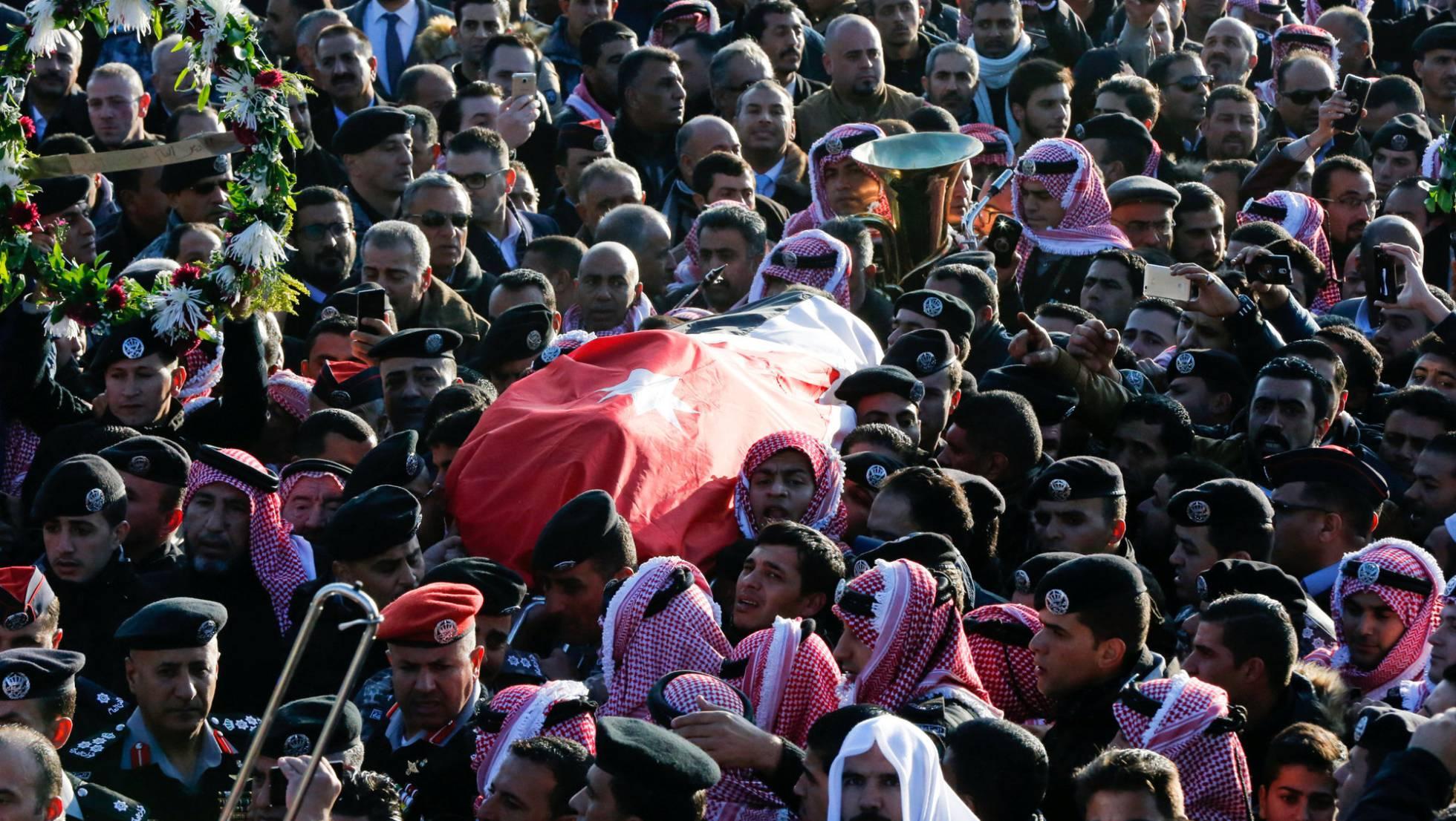 Jordania concentra tanques en la frontera con Siria 1482246766_921709_1482247055_noticia_normal_recorte1