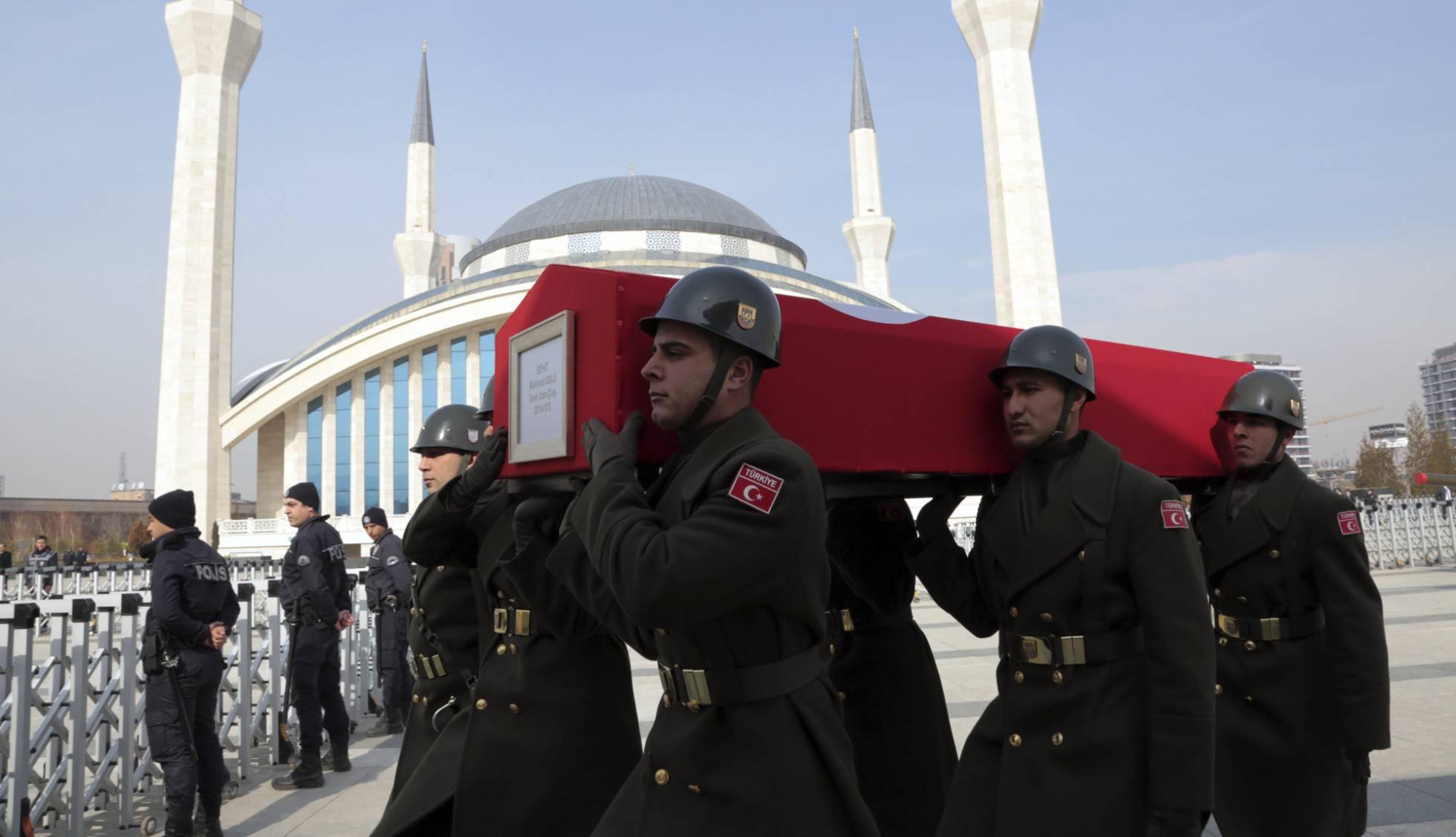 Siria - Conflicto Turquía - Siria  - Página 13 1486653332_501919_1486663569_noticia_normal_recorte1