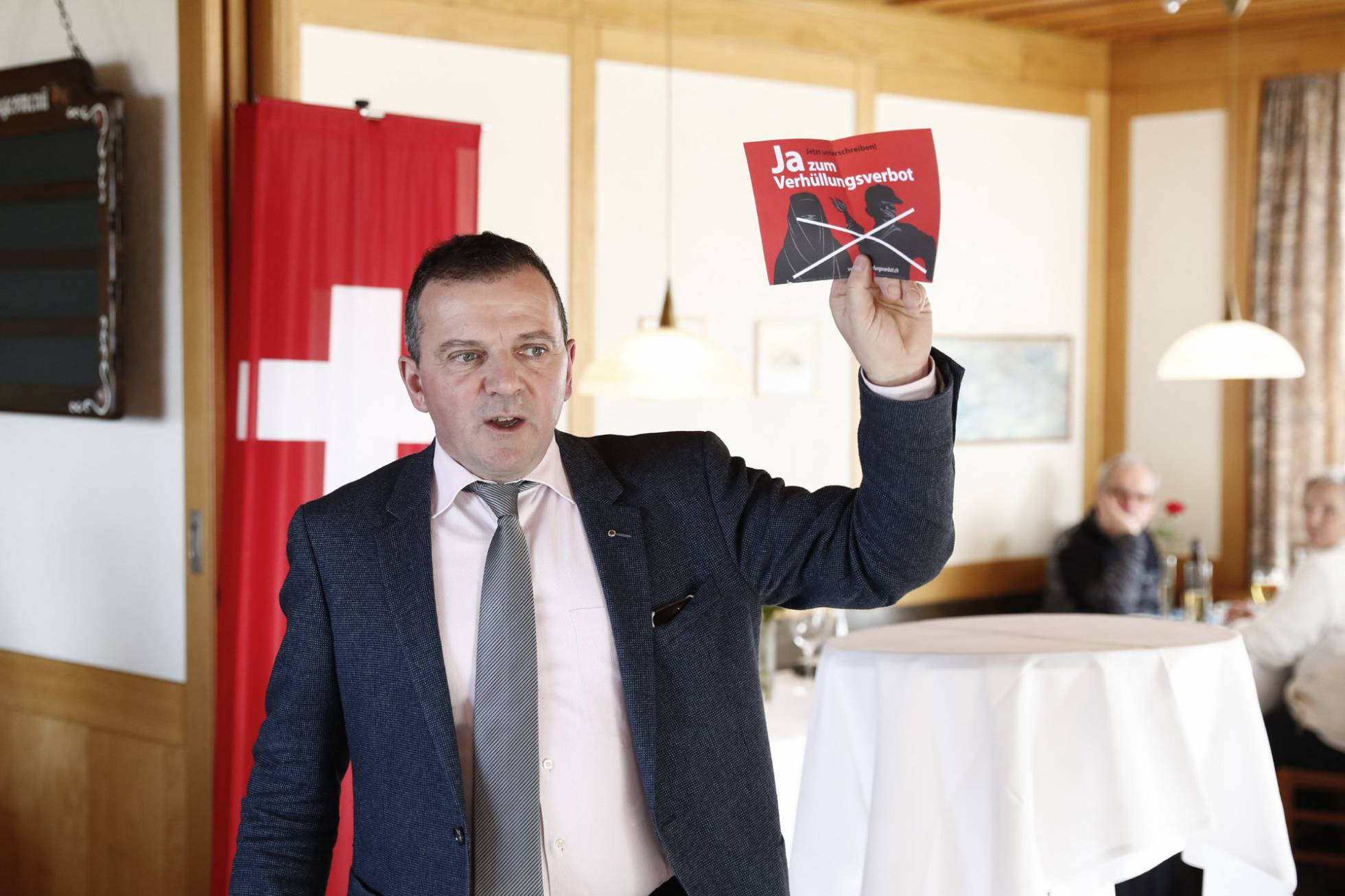 Suiza: Políticas sobre inmigrantes de Europa y de otros continentes. 1486914174_691245_1486914409_noticia_normal_recorte1