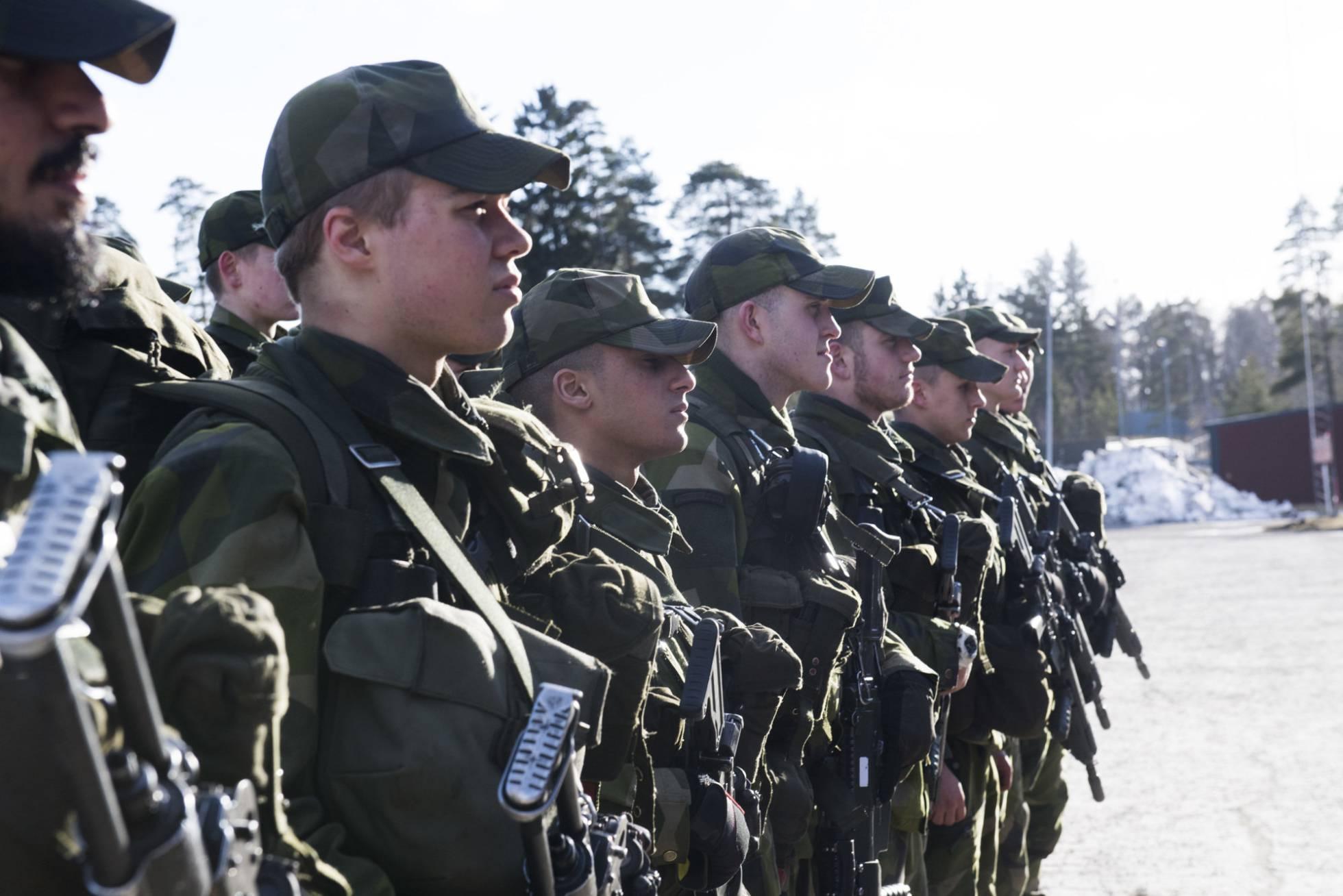 militar - Los países nórdicos estrechan su cooperación militar frente a Rusia - Página 2 1488546526_862352_1488554138_noticia_normal_recorte1