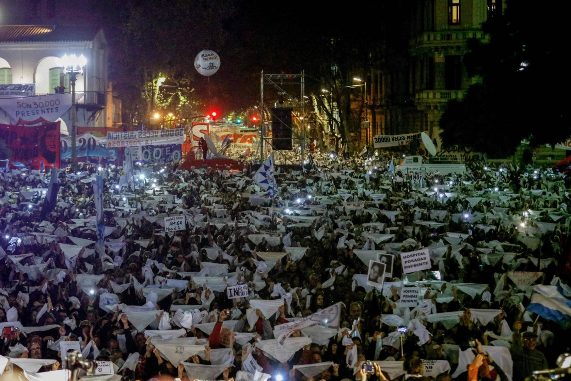 Argentina: Relata Videla sobre el golpe militar y sus mentores... 1494466946_130513_1494467126_noticia_normal_recorte1