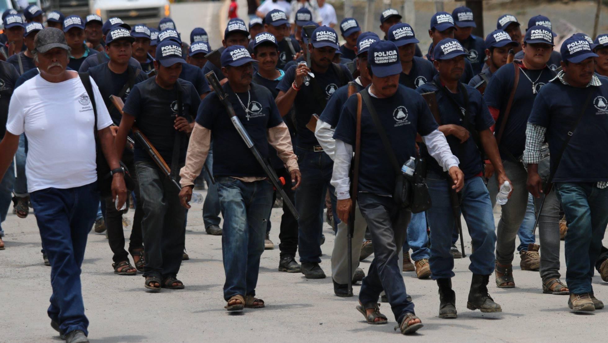 México, guardias comunitarias, narcotráfico, ejército... 1496091002_210752_1496092054_noticia_normal_recorte1