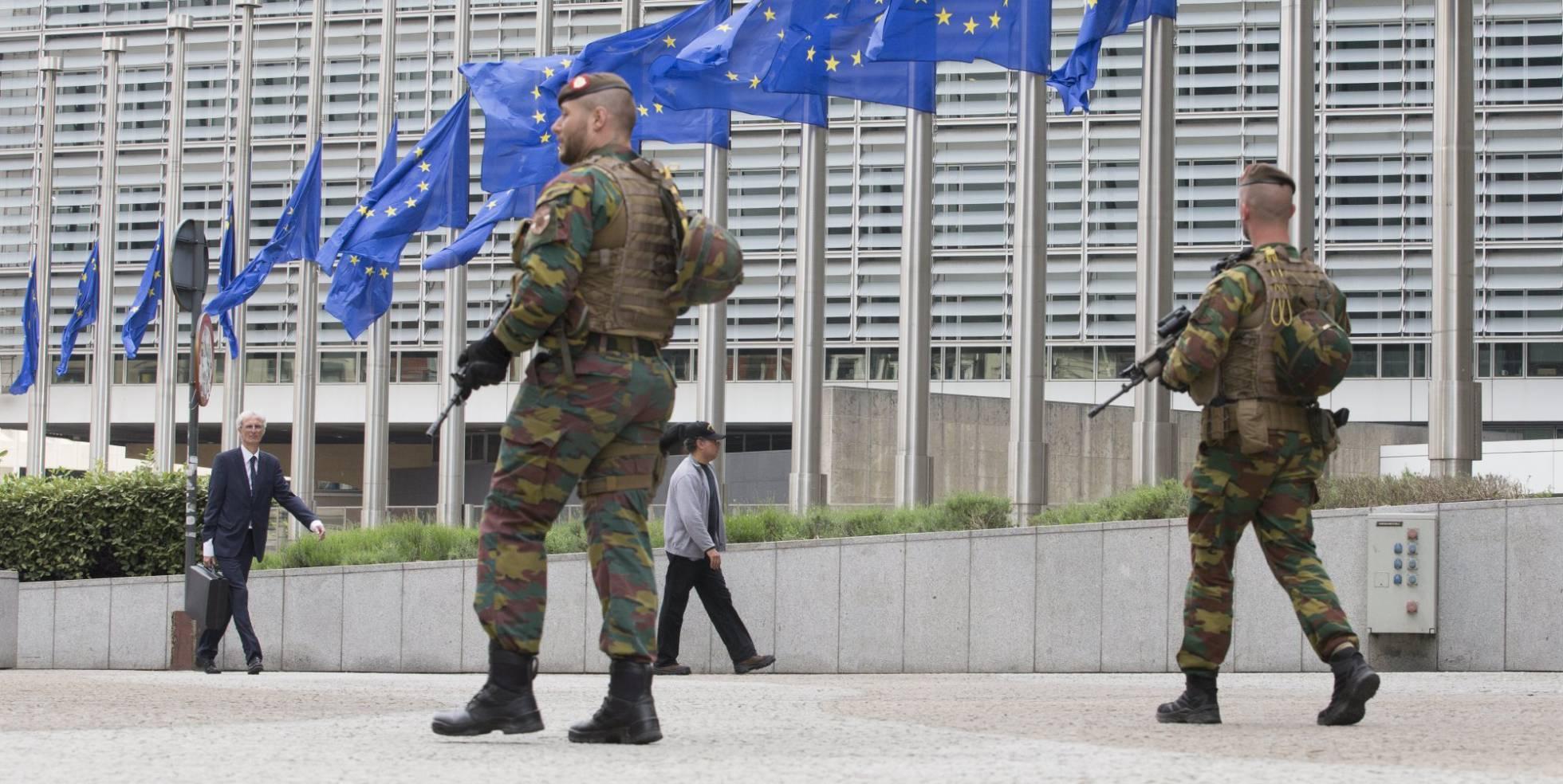 Unión - Nueva estructura de Defensa de la Unión Europea. Pesco, Cooperación Estructurada Permanente. - Página 3 1496433286_344509_1496434455_noticia_normal_recorte1