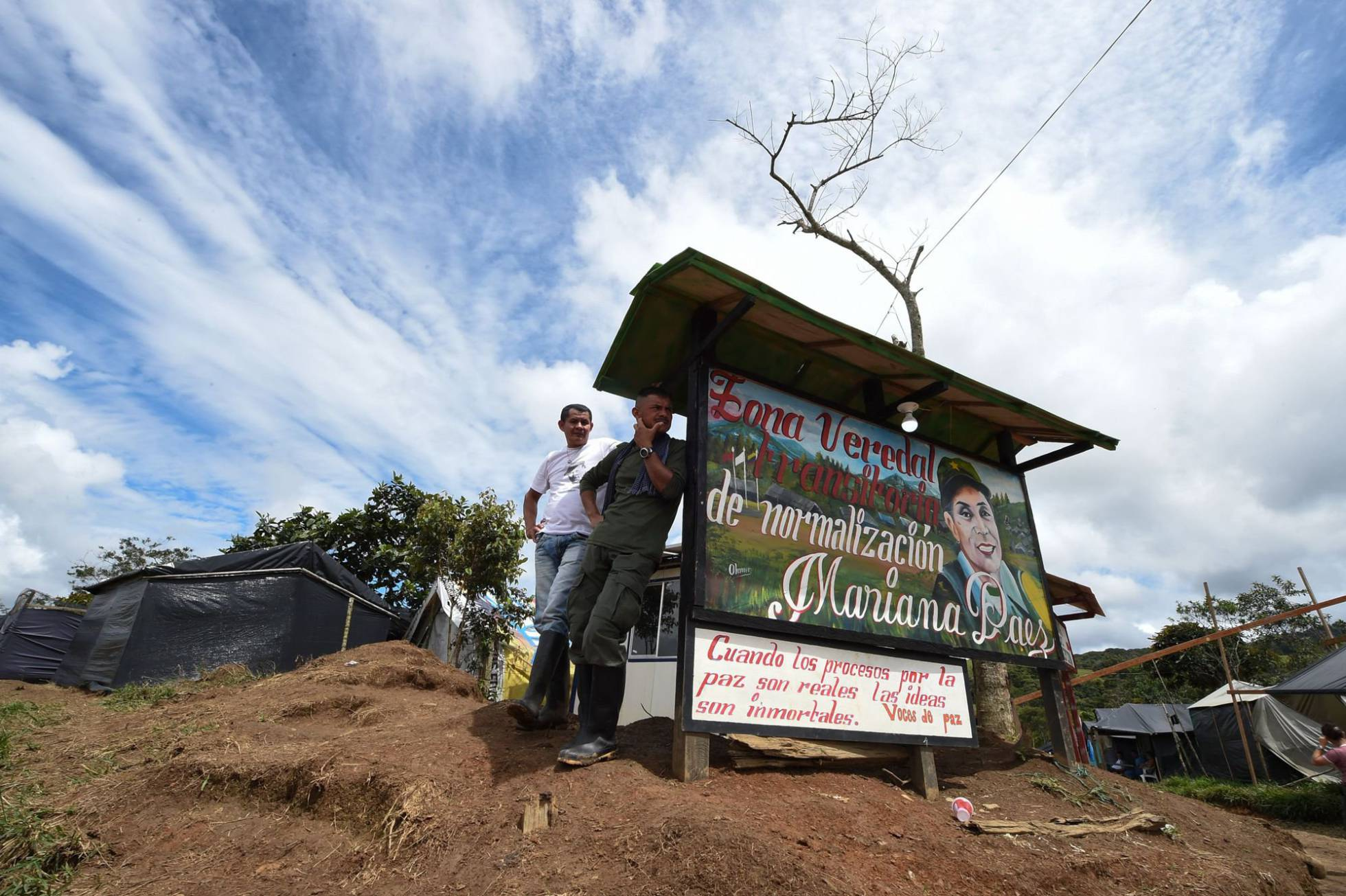 guerra - Colombia y las FARC ponen fin a la guerra. - Página 4 1498515506_773703_1498515911_noticia_normal_recorte1