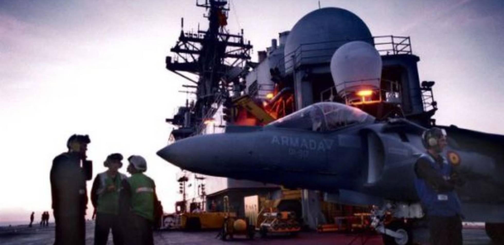 Defensa estudia dar de baja al portaaviones 'Príncipe de Asturias' para ahorrar - Página 4 1475175078_575939_1475175815_noticia_normal_recorte1