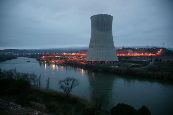 Nuclear, tarifar, contaminar... - Página 2 1340195439_934221_1340205025_noticia_normal