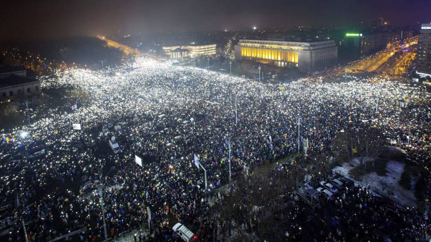 Rumanía: luchas y protestas.Elecciones  y   recomposiciones  burguesas 1486406224_860059_1486453570_noticia_fotograma