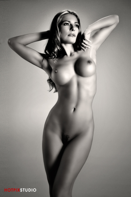 Fotografia nud - arta sau pornografie? Artistic-Nude-Photography-HotPix-Miami-Escort-Photo-Studio35