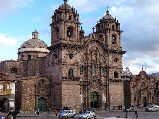 Toda clase de pensamientos ateos. - Página 12 Catedral-del-cuzco-1