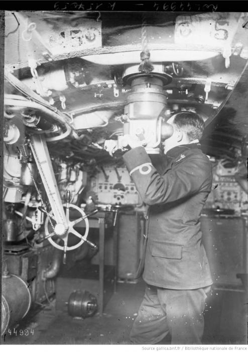 Los avances científicos en la Gran Guerra (fotos) Thumbs_b-interior-de-un-oficial-de-submarino-holand