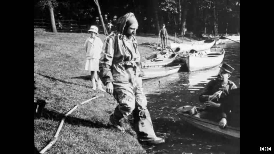Los avances científicos en la Gran Guerra (fotos) Thumbs_costume-insubmersible1