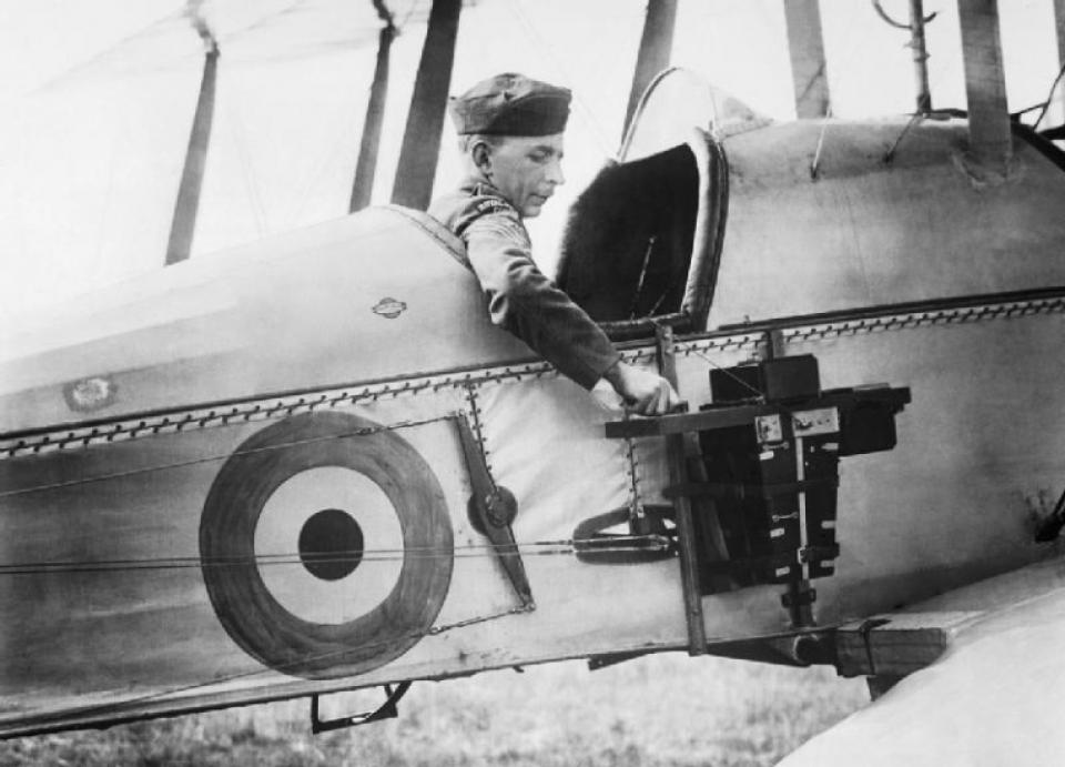 Los avances científicos en la Gran Guerra (fotos) Thumbs_observer-of-the-royal-flying-corps