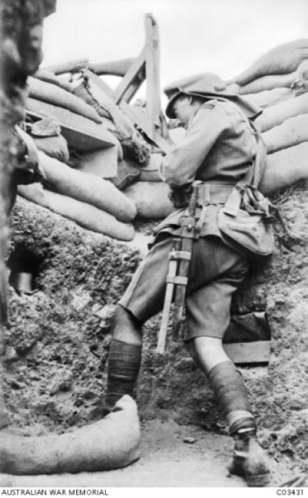 Los avances científicos en la Gran Guerra (fotos) Thumbs_periscope-rifle-in-a-trench
