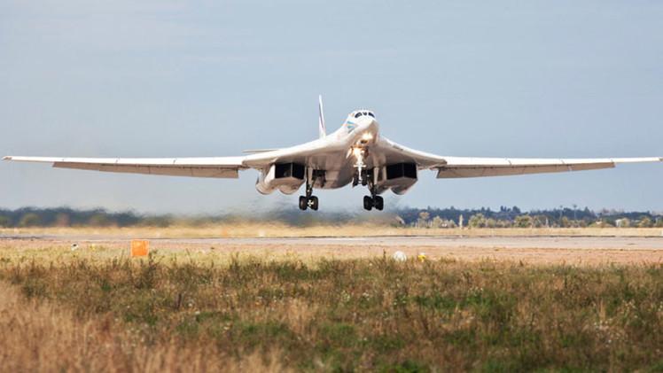 Tupolev Tu-160 (Bombardero pesado supersónico de geometría variable  Rusia) 549f60ed72139e07458b45e0