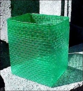 Aparato para hacer hilos de plástico Cestos_y_cajas_de_plastico-275x300
