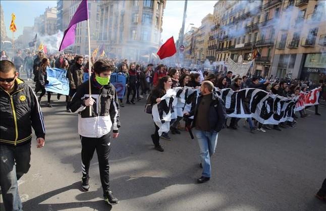 Huelga de educación. Convocatorias. Madrid. Fechas de convergencia hacia una huelga general - Página 2 Manifestacion-estudiantes-universitarios-1457004211044