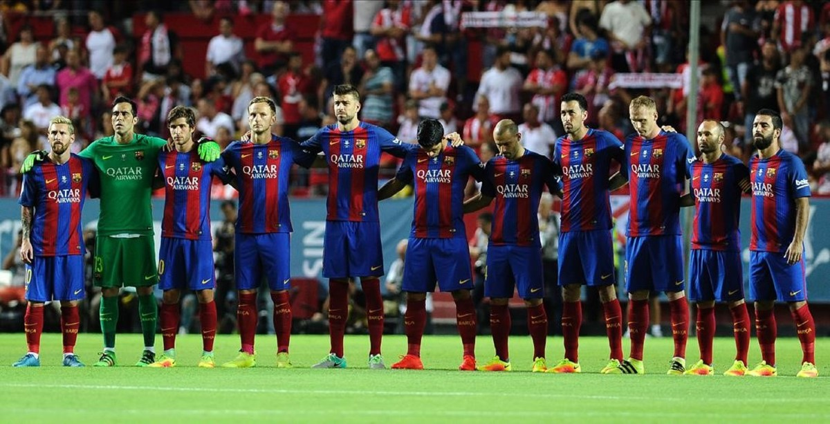 Hilo del FC Barcelona Jmexposito35119232-barcelona-players-look-for-minute-silence-during-160815000907-1471212703695