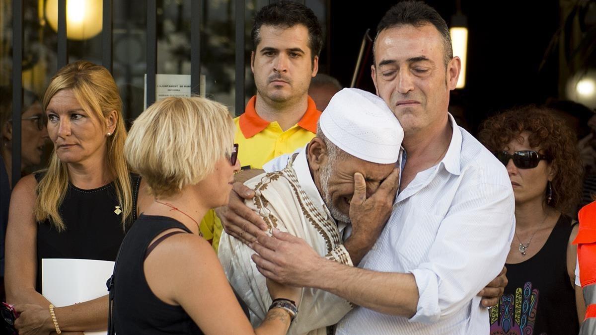 Atentado terrorista en Barcelona. - Página 6 1503647785176