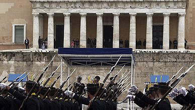 Grecia. Tensiones sociales crecientes. Luchas políticas. - Página 4 1427303182309