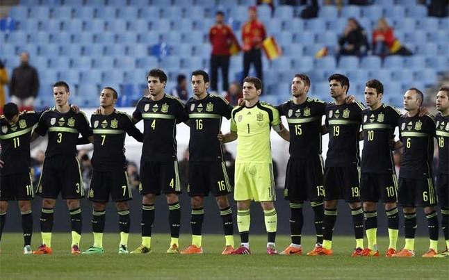Hilo de la selección de España (selección española) Minuto-silencio-por-luis-aragones-1394056282730