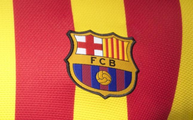بالصور طقم قميص برشلونة  لموسم 2013-2014 1369123777560