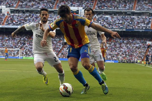 صور : مباراة فالنسيا - ريال مدريد 2-2 ( 09-05-2015 )  1431202944670