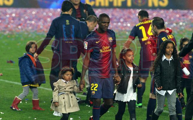 صور احتفالات برشلونة بلقب الليغا الاسبانية في ملعب الكامب نو  19-05-2013 1369005869031