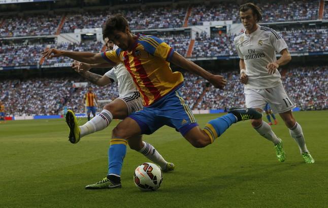 صور : مباراة فالنسيا - ريال مدريد 2-2 ( 09-05-2015 )  1431202950032