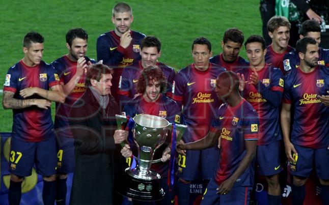 صور احتفالات برشلونة بلقب الليغا الاسبانية في ملعب الكامب نو  19-05-2013 1369005928572